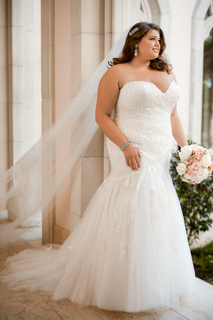 Stella York - model 6470 Every Body Every Bride