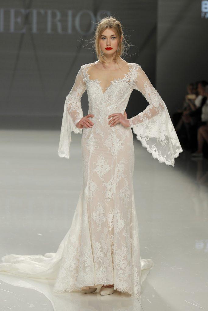 suknia: Demetrios