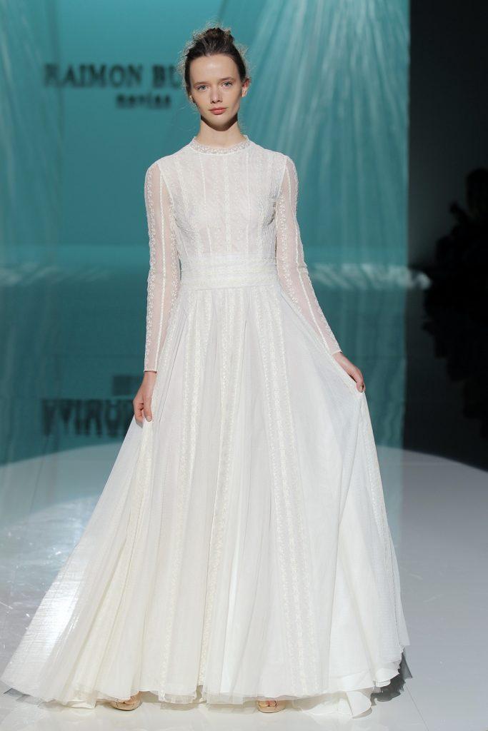 suknia: Raimon Bundo